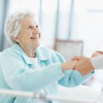 Уход за пожилыми при остеохондрозе и остеопорозе