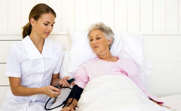 Уход и питание за лежачими больными педикюр на дому для пожилых свао москва